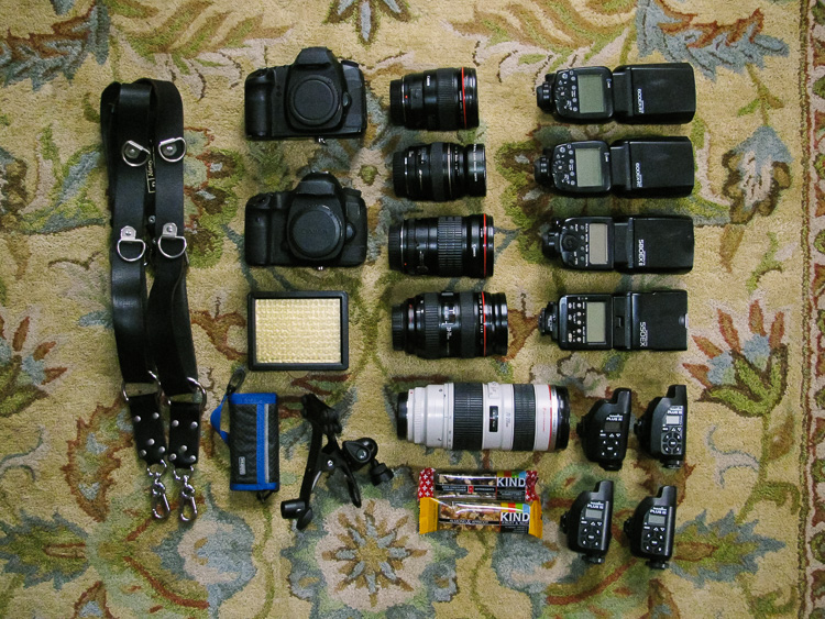 professional wedding photographer gear