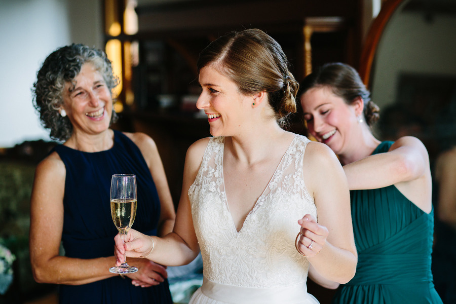 Lauren and Chuck's wedding at the Stevens Estate in North Andover, MA | Kelly Benvenuto Photography | Boston Wedding Photographer