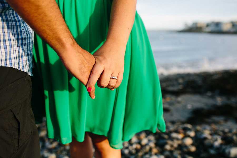 Kristen and Josh's Narragansett engagement session | Kelly Benvenuto Photography | Boston wedding photographer